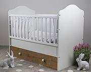 Drewex Basilio łóżeczko 120x60 cm z szufladą i opuszczanym bokiem dąb Burlington / biały.